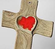 Dekorácie - Keramický kríž (so srdcom zo skla) - 9221824_