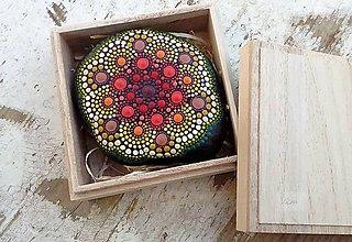 Dekorácie - Kvety na skale darované II. - Na kameni maľované - 9222327_
