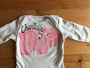 Detské oblečenie - Maľované detské tričko so sloníkmi (Dvojica slonikov s menom (body)) - 9220079_