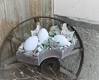 Veľkonočná dekorácia so sliepočkami