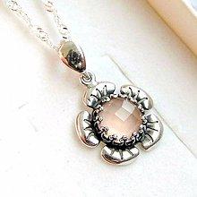 Náhrdelníky - Vintage Flower Faceted Rose Chalcedony Necklace / Strieborný náhrdelník s brúseným rose chalcedónom /0374 - 9224303_