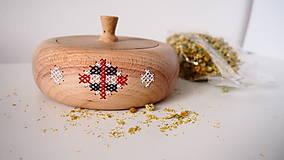 Nádoby - Vyšívané jabĺčko - nádoba z dreva FOLK - 9226509_
