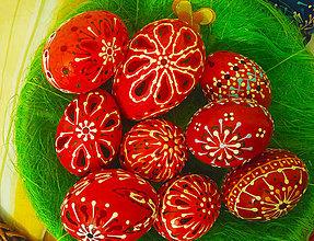 Dekorácie - Červené kraslice v rôznych veľkostiach - 9228815_