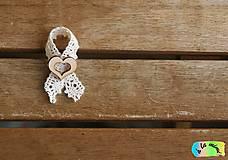 Pierka - Svadobné pierko Čipkovité s prírodným srdiečkom s výrezom - 9230596_