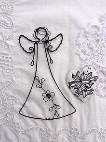 Dekorácie - anjelik zo šípkového kríčka... - 9233031_