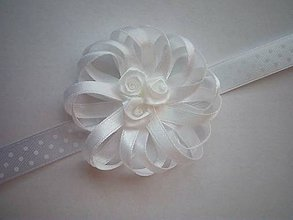 Pierka - Biely elegantný náramok pre družičku - 9232478_
