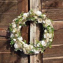 Dekorácie - Veľkonočný venček s čerešňovými kvetmi - 9228853_