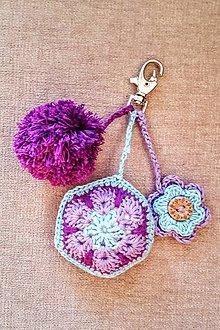 Kľúčenky - Zamyslená - prívesok na kabelku a kľúče - 9232434_
