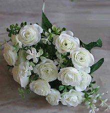 Iný materiál - 28. Tri biele ružičky so stonkou a zeleňou - 1 ks - 9235119_