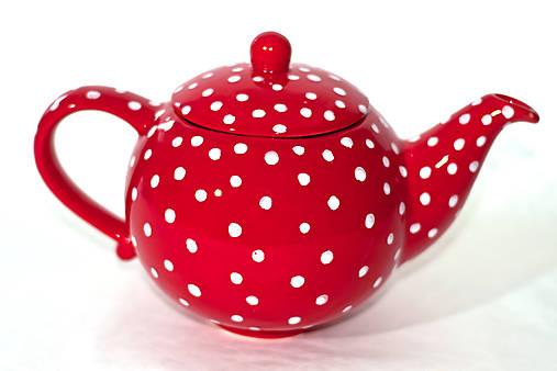 Červený čajník