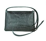 Kabelky - Kožená kabelka ručne vyšívaná v čiernej farbe-čierne vyšívanie - 9237210_