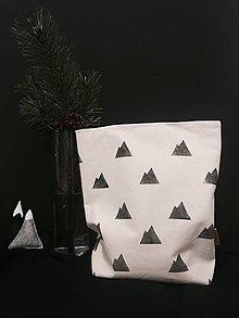 Úžitkový textil - Ušimi desiatové vrecúško na hory - 9235996_