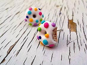 Náušnice - dúhové donutky - napichovačky (oba donuty nenakusnuté) - 9234634_