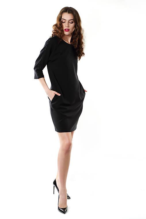 Čierne pohodlné   ceccilia - SAShE.sk - Handmade Šaty 9bc3703a417