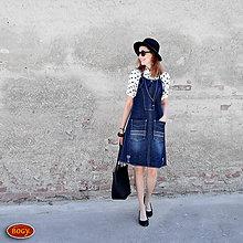 Šaty - prodloužená riflová šatovka ke kolenům, se zipy - 9243498_
