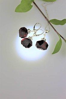 Sady šperkov - granát náušnice a prívesok v striebre - 9243063_