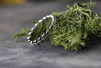 Prstene - Strieborný prsteň s lístočky - 9238814_