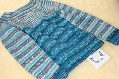 Ručne pletený vlnený pulóver