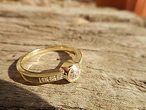 Prstene - Snubný prsteň zirkónik - 9245258_
