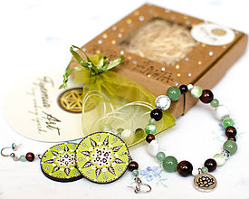 Sady šperkov - RYTMUS ŽIVOTA - drevené náušnice a energetický liečivý náramok z polodrahokamov - 9245161_