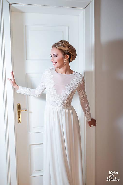 Svadobné šaty z elastického tylu s dlhým rukávom   Dyona - SAShE.sk ... 9dd4efaf195