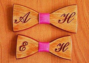 Doplnky - Pánsky drevený motýlik INITIAL otec a syn - 9244362_
