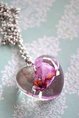 Náhrdelníky - Náhrdelník Srdce s orchideou (2389 A CHO) - 9252795_