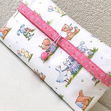 Detské doplnky - Veselá zvířátka s růžovou-plenkovník s kapsičkou - 9252975_