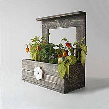 Nábytok - Polička na kvetiny - 9249406_