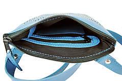 Kabelky - Ručne vyšívaná kabelka z pravej kože v modrej farbe - 9252371_
