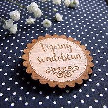 Pierka - Drevený svadobný odznak . Folk - 9252982_