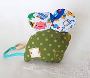 Veselá myška Hryzka pre deti - v zelenom