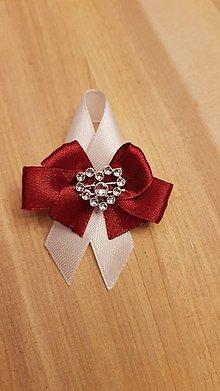 Pierka - svadobné pierko bordové so štrasovým srdiečkom - 9253154_