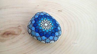 Dekorácie - Modrá, modrá, modrá - Na kameni maľované - 9256775_