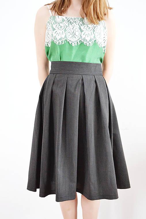Univerzálna záhybová sukňa