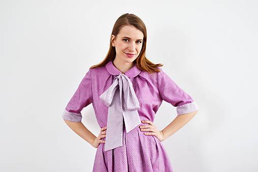 OUTFIT: Fialové spojenie blúzky a sukne tvoriace šaty