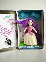 - Princezná v plechovej krabičke - 9260727_