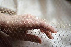 Ozdoby do vlasov - Zlatý svadobný závoj /fascinátor  - 9260033_