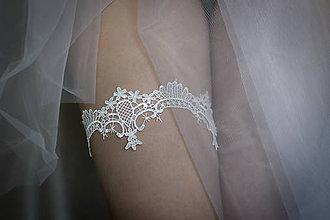 Bielizeň/Plavky - Biely svadobný podväzok pre nevestu - 9258587_