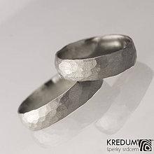 Prstene - Kovaná nerezová svadobná obrúčka - Klasik Draill - 9264432_