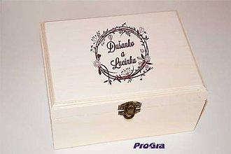 Krabičky - Drevená krabička s gravírovaním - 9265338_