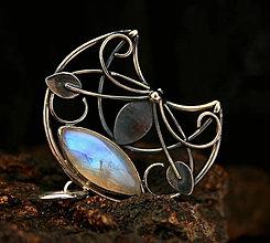 Náhrdelníky - Elfská lunica s mesačným kameňom - 9265670_