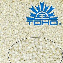 Korálky - Toho Rokajl 11/0 -Golden-Lined Milky White č.2100 25g - 9269753_