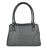 - Ručne vyšívaná kabelka z pravej kože v čiernej farbe - šedé vyšívanie - 9272676_