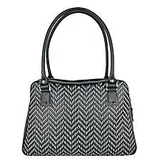 Kabelky - Ručne vyšívaná kabelka z pravej kože v čiernej farbe - šedé vyšívanie - 9272676_