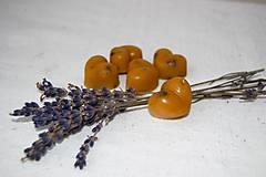 Drobnosti - Vonný včelí vosk - rôzne vône (vôňa ruža) - 9270495_