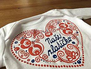 """Detské oblečenie - Originálne ľudovo ladené tričko pre malú slečnu (Body s modrým nápisom """"Naše zlatíčko"""") - 9270775_"""