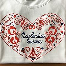 """Detské oblečenie - Originálne ľudovo ladené tričko pre malú slečnu (Dámske tričko s modrým nápisom """"Najlepšia mama"""") - 9270783_"""