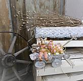 Dekorácie - Veľkonočná dekorácia so zajačikom na vozíku - 9277087_
