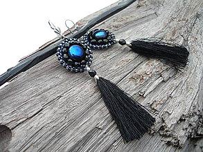 Náušnice - Korálkové náušnice strapcové Black&Blue - 9276451_